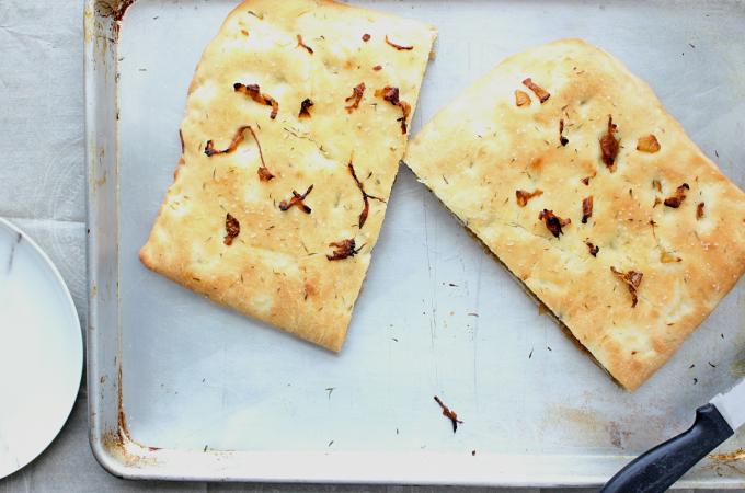 caramelized-onion-stuffed-focaccia