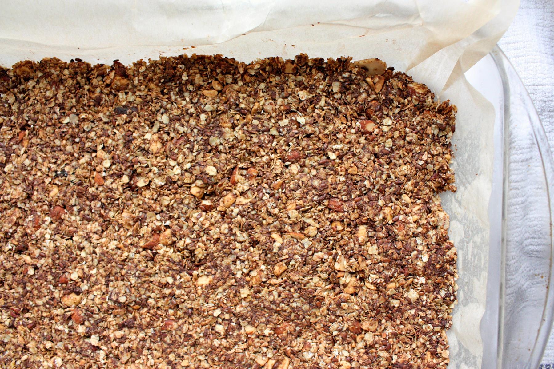 healthy chocolate nut granola bars