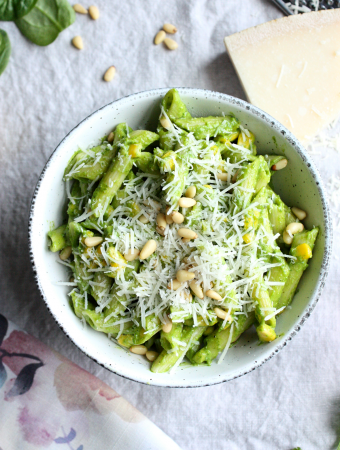 Creamy Spinach Avocado  Pasta
