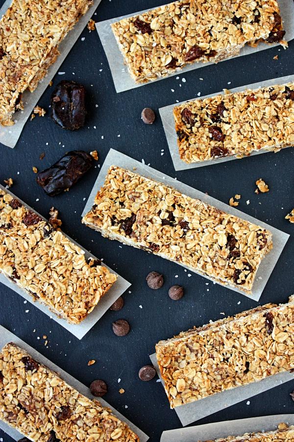 school friendly chocolate chip raisin granola bars