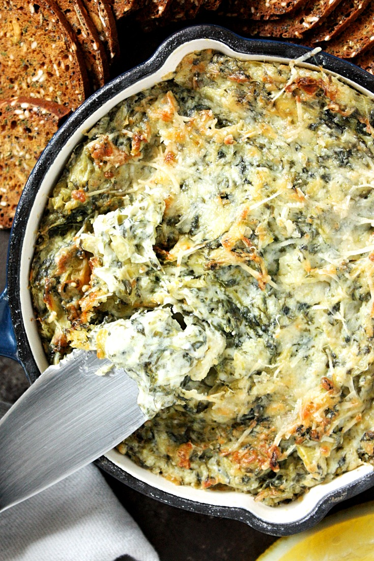 Cheesy Baked Spinach and Artichoke Dip